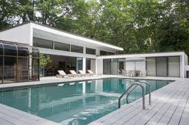 House Of Home Exclusive House Of The Week Calvin Klein Biographer U0027s Hamptons