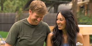 when fixer upper season 3 premieres bloopers of chip and joanna