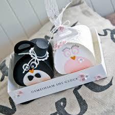 geschenke polterabend ein zuckersüßes pinguin brautpaar andenken geschenk und brautpaar