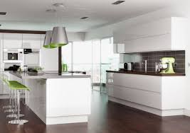 cuisine blanc laqué et bois cuisine blanche laquée 99 exemples modernes et élégants