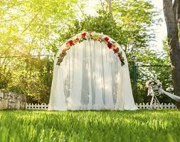 How To Decorate Wedding Arch How To Decorate A Wedding Arch With Flowers