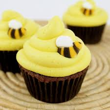 bumble bee cupcakes bumble bee cupcakes these are so simple and for birthdays