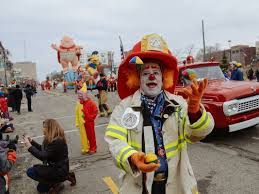 come early to manage parade lions turkey trot traffic