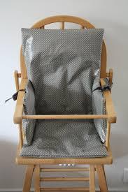 coussin chaise haute bebe coussin de chaise haute monsieur croco