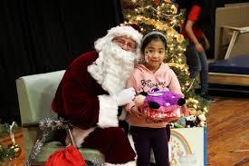photos massey u0027s annual children u0027s christmas party