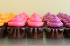custom cupcakes cupcakes eat cake be merry custom cakes new york new jersey