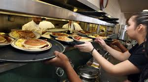 How Much Does A Waitress Make A Year by What Day Of The Week Do Servers Earn The Best Tips Eater