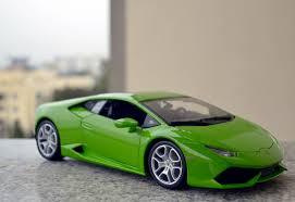 Lamborghini Huracan Green - bburago made 1 18 green lamborghini huracan enters xdiecast garage