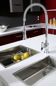 robinet cuisine moderne comment choisir robinet de cuisine leroy merlin