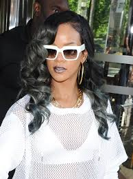 hairstyles with grey streaks rihanna s new hairstyle with grey streaks 2 trend 911