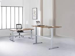 bureau reglable bureau réglable assis debout eol collaborateurs espace solution