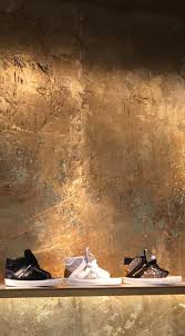 Gold Wall Paint by Best 25 Gold Walls Ideas On Pinterest Gold Furniture Gold