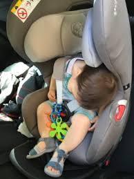 probleme siege auto la tête de mon bébé bascule en avant quand il