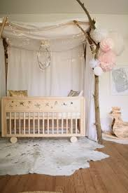 guirlande lumineuse chambre bebe ambiance féerique matières naturelles guirlande lumineuse chambre
