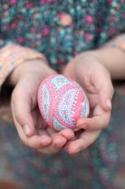 Decorating Easter Eggs With Fabric by How To Dye Easter Eggs With Silk Ties Relish