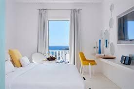 hotel chambre avec miroir au plafond hotel chambre avec miroir au plafond 8 mobilier de luxe en blanc