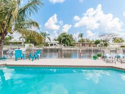 Tiki Hut On Water Vacation Pompano Isles Tiki Villa On Canal Close Homeaway Downtown