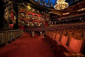 paris opera house chandelier the hopeful traveler the venue the phantom theatre at the venetian