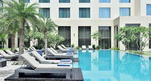 Home Plans With A Courtyard And Swimming Pool In The Center 5 Star Hotel In Agra India Courtyard Marriott Agra