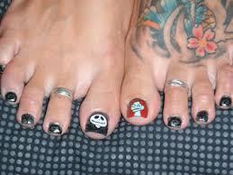 nail art by julie jack u0026 sally halloween toe nail art soooo fun