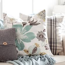 decorative pillows for living room easy diy throw pillow part 6 living room makeover the turquoise