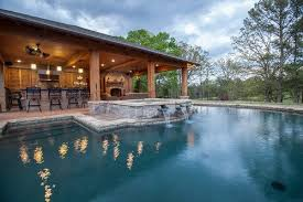 Pool And Outdoor Kitchen Designs | backyard landscaping ideas swimming pool design outdoor kitchen