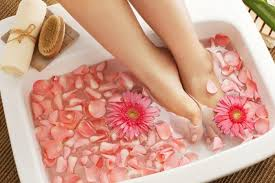 different types of pedicures you can try this summer