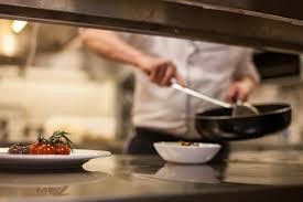 le chef en cuisine découvrir la gastronomie du périgord restaurant gastronomique