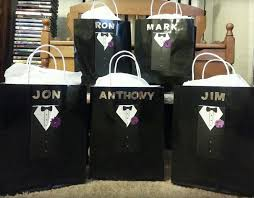 wedding gift groomsmen the 25 best groomsmen gift bags ideas on groomsmen