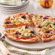 cuisiner une pizza pizza maison toute garnie recettes cuisine et nutrition