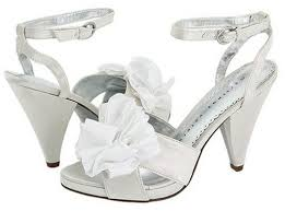 wedding shoes tips important tips of white wedding shoes cherry