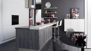 modele de cuisine cuisinella cuisine formica marron â photos de design d intã rieur et modele