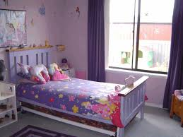 ways to arrange furniture in a small bedroom platform bed with