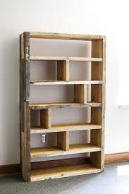 Bookshelves Diy by Diy Rustic Pallet Bookshelf Pallets Pallet Bedroom Furniture