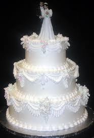 butercream wedding cake design 107 like the bottom layer ruffle