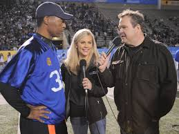 Stonestreet Eric Stonestreet Gets In The Game Helps Out Military Service