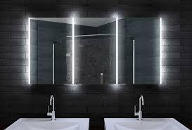 spiegelschr nke f r badezimmer bad spiegelschrank mit led beleuchtung drei türen
