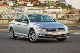 volkswagen passat r line blue volkswagen passat 2 0 tdi luxury dsg 2017 quick review cars co za