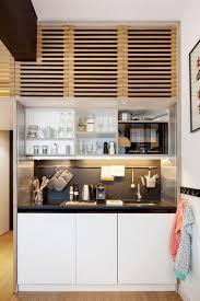 cuisine monobloc une kitchenette bois monobloc avec une crédence