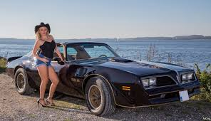cowgirl by the lake model tania naidan jacobsen car pinterest
