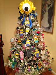 minion christmas tree complete with gru his daughters and kyle