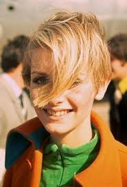twiggyhairstyles for straight hair 1960 s vintage iconic twiggy gets a haircut press photo twiggy press