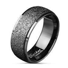 karikagyuru rak 8 mm fekete színű homokfújt nemesacél karikagyűrű