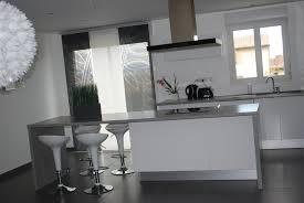 decoration cuisine noir et blanc idee deco cuisine grise deco cuisine noir et blanc design