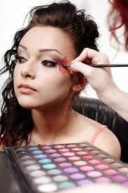 how to be a makeup artist how to be a makeup artist in singapore dfemale beauty tips