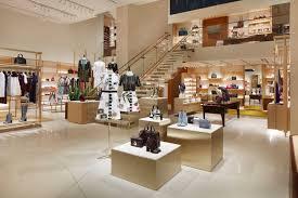 louis vuitton celebrates new store in miami u0027s design district
