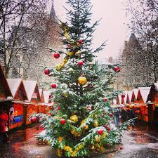top 10 most beautiful photos of christmas on instagram french