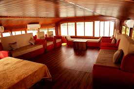 4 bed room luxury houseboat alappuzha