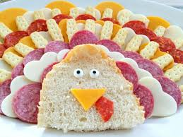 thanksgiving appetizers cheese and cracker turkey platter