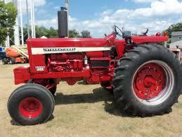 1971 international harvester 856 owned by steve chidalek farm